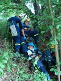 Rettung aus unwegsamen Gelände mit Bergeschleppe